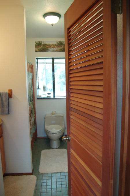 Bathroom And Pantry Louver Doors
